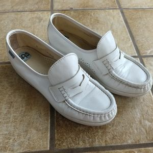 SAS 7 M White Loafer Comfort Shoes